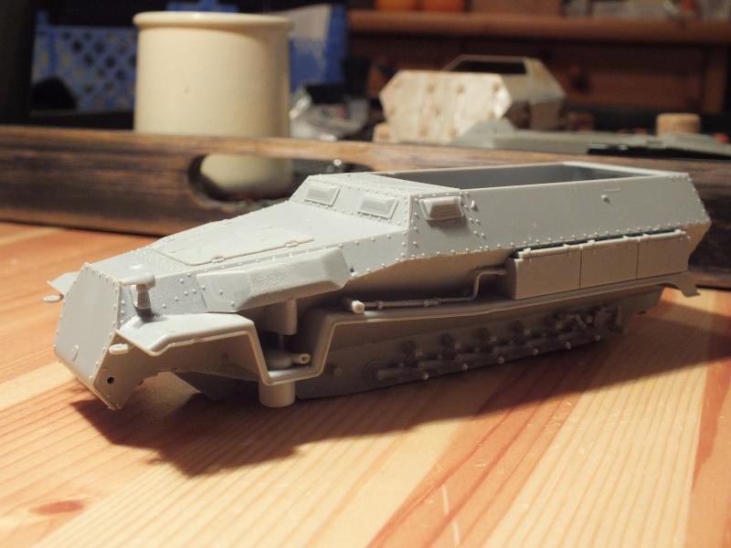 Sdkfz 251-8 C KrankenPanzerWagen base Dragon Sdkfz 251/1 C réf : 6246 Dscf7210