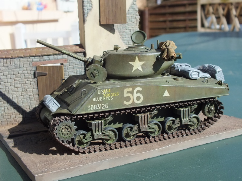 Sherman A3E2  Tamiya 1/35 et canon alu Rb models.  (Patine en cours) - Page 4 Dscf7642