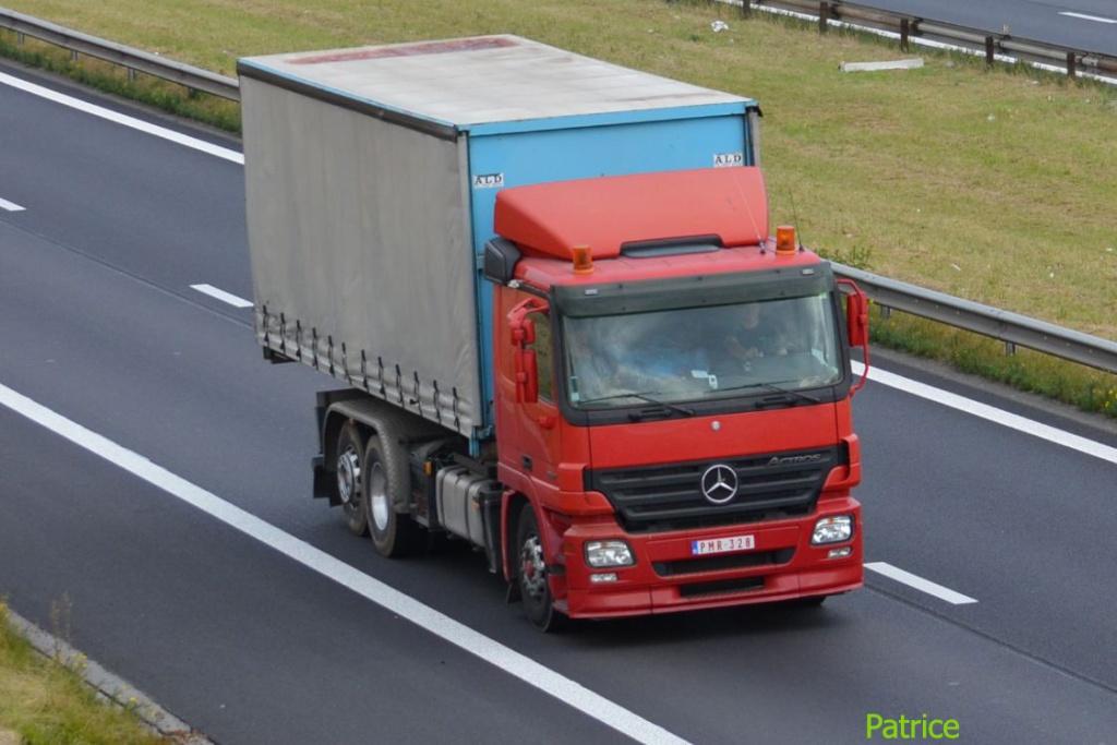 Mercedes Actros MP 1,2 et 3 - Page 3 1455_c10
