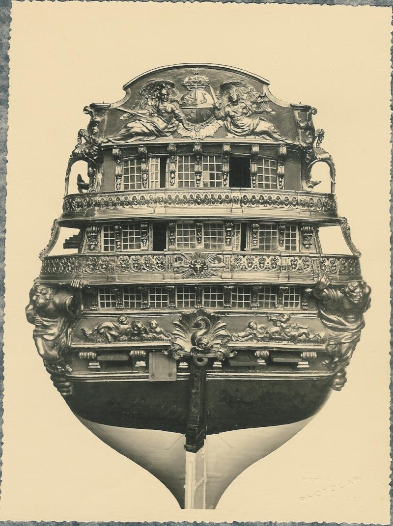 Cherche cartes postales Musée de la Marine 11mg2210