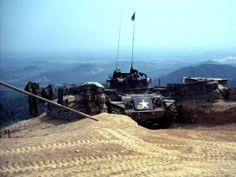 M42 DUSTER dans son abris  Hill2510