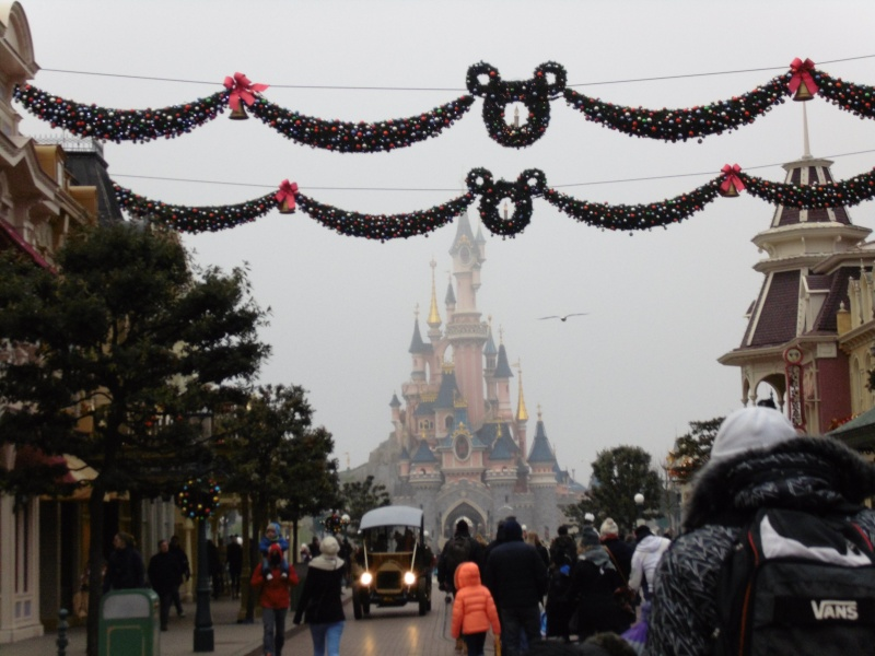 Premier séjour de Talia chez Mickey..  Disne207