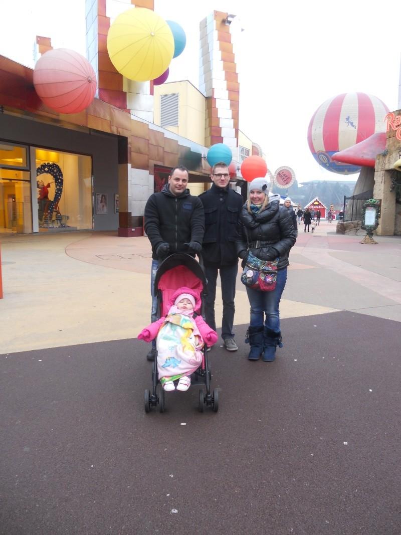 Premier séjour de Talia chez Mickey..  Dscn6122