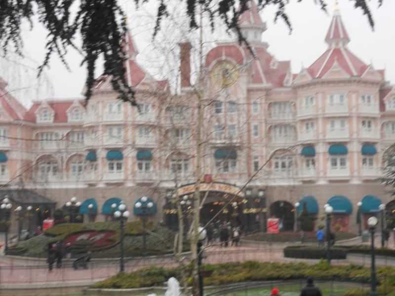 Premier séjour de Talia chez Mickey..  Dscn6126