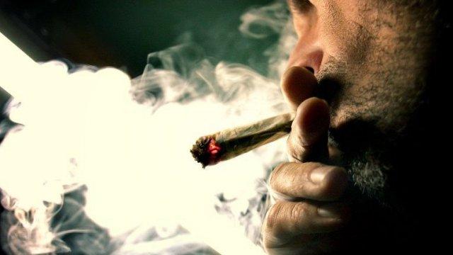 Les addictions Fumeur10