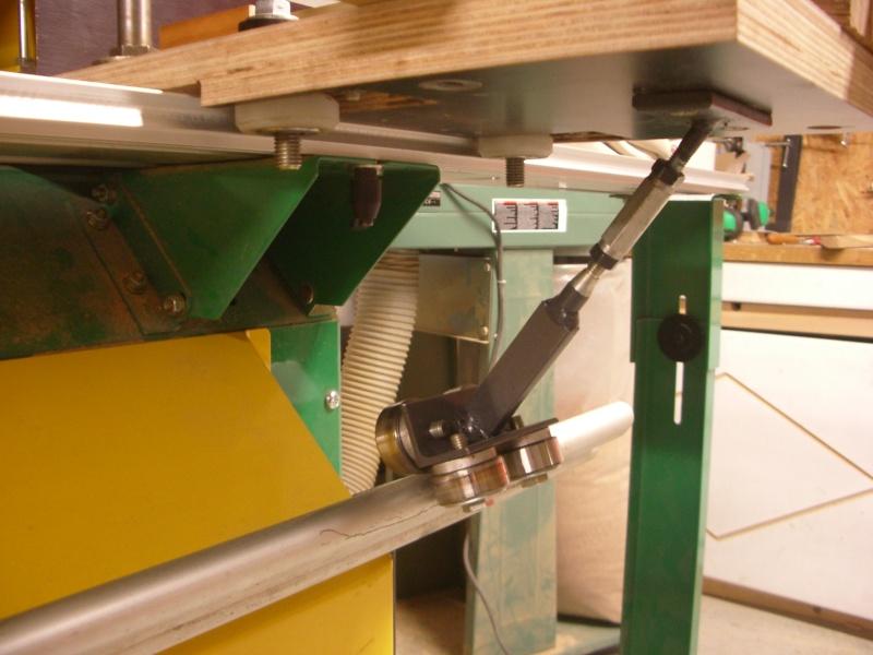 meuble en chêne et fer forgé pour l'ordi  Imgp6020
