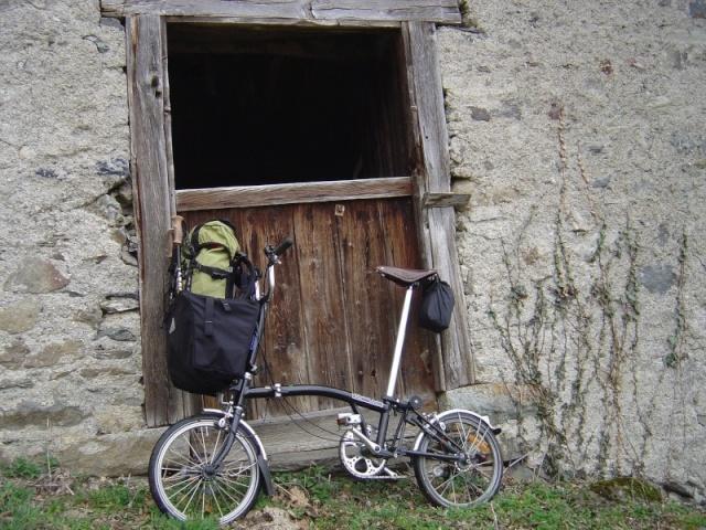 Cabas ou Sac Tourisme ? Vieux Frame ? Fixation Brompt10