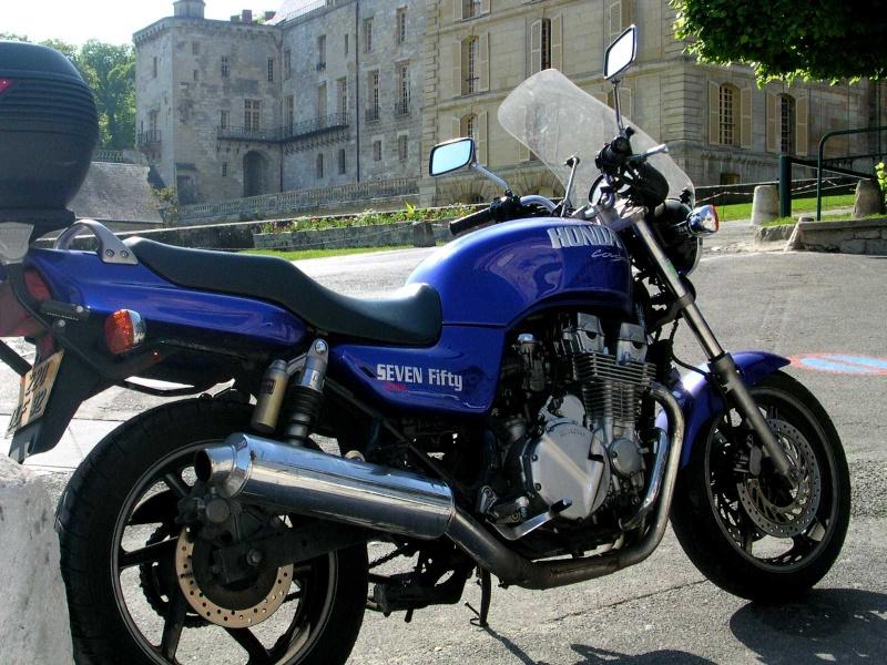 Votre moto avant le Tracer ? Seven_11