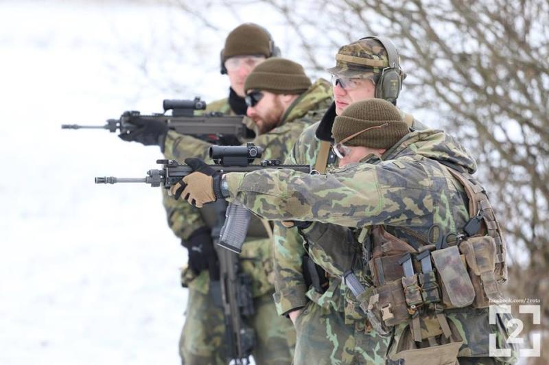 Armée tchèque/Czech Armed Forces - Page 6 1212