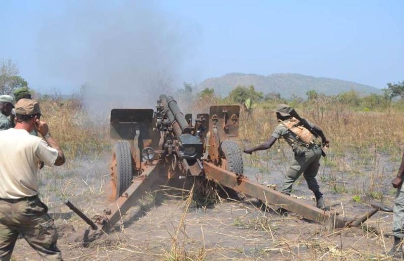 Forces Armées Togolaises / Togolese Armed Forces - Page 2 422