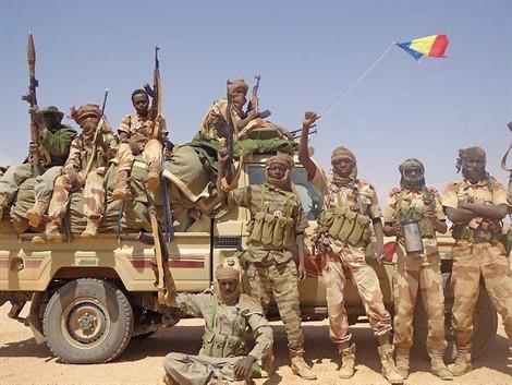 Armée Tchadienne - Page 5 446