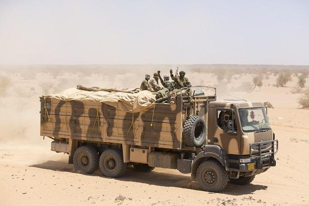 Armée Tchadienne - Page 5 571