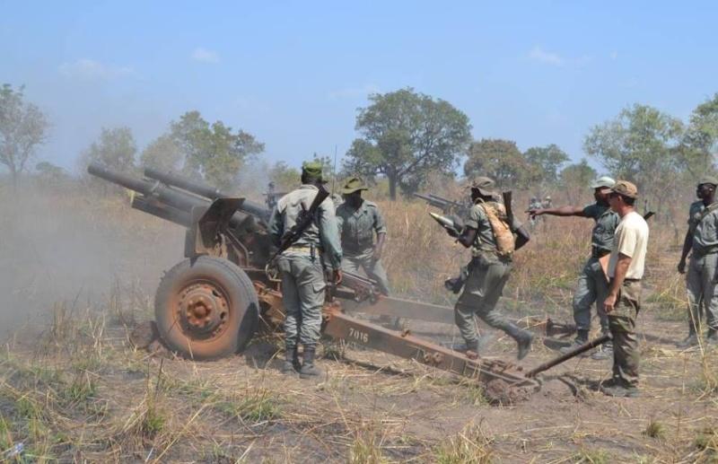 Forces Armées Togolaises / Togolese Armed Forces - Page 2 712
