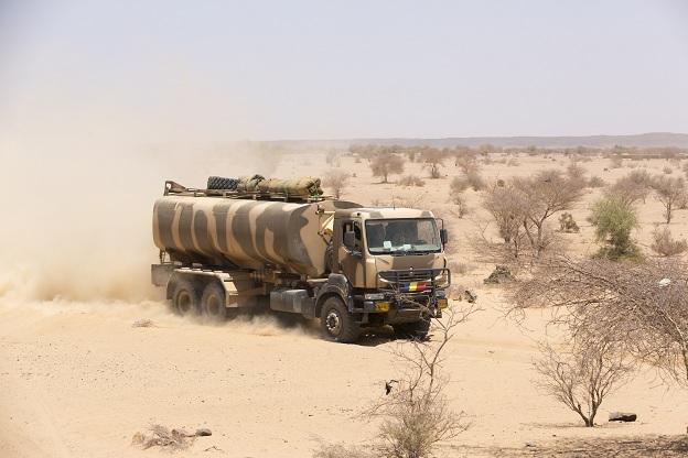 Armée Tchadienne - Page 5 Keraxc10