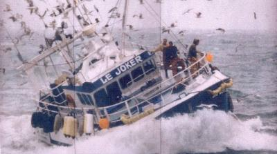 Photos d'accidents et de tempête en mer - Page 28 77245510