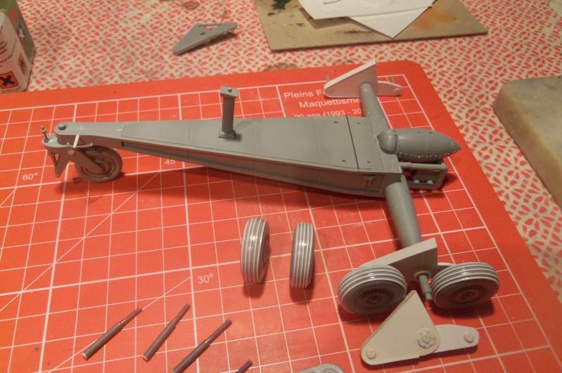 Mistel Me 262 + He 162 - montage en cours 100_2241