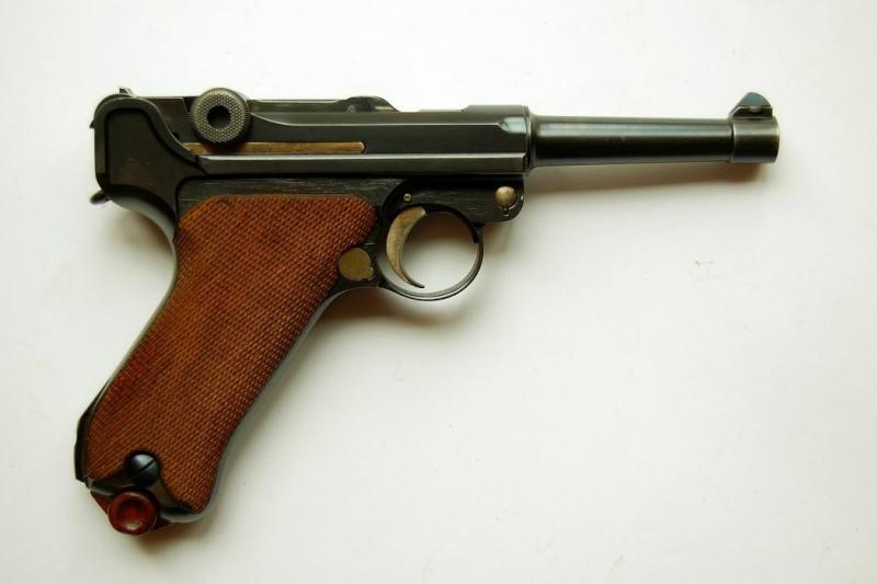 C' EST POSSIBLE UNE LUGER 1906 MARQUE MAUSER DE 1936??? Dwm-ma12