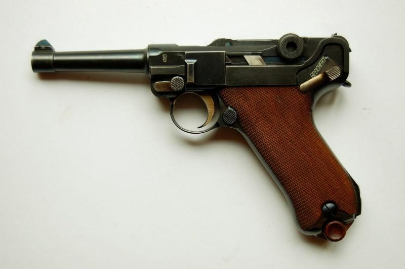 C' EST POSSIBLE UNE LUGER 1906 MARQUE MAUSER DE 1936??? Dwm-ma13