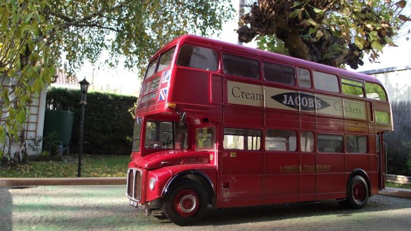 AEC Routemaster London double decker bus 1/24 Revell terminus tout le monde descend! - Page 2 Dscf2111