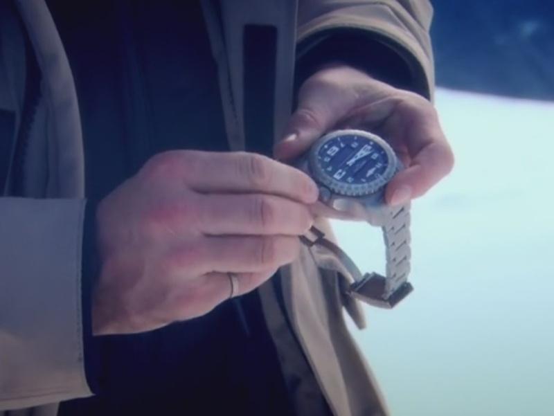 Breitling -  La montre du jour des autres... dans les émissions télévisées (tome V)     - Page 42 2015-014