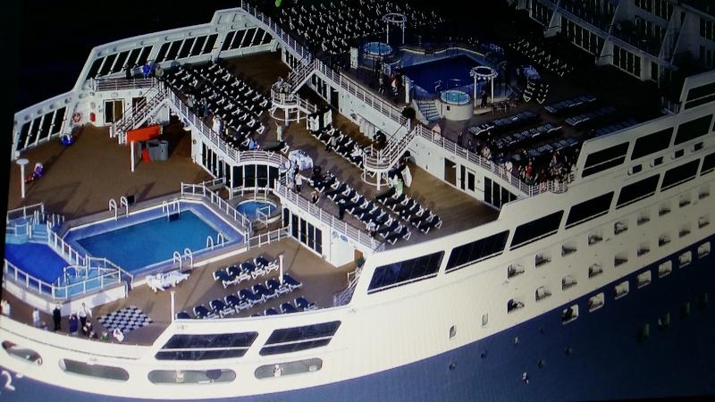 Queen Mary 2 ech:1/400  2015-021