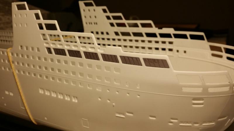 Queen Mary 2 ech:1/400  2015-025