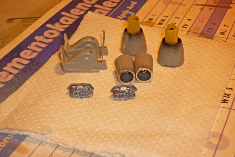 "Heinkel He162A-2 ""Salamander"" (Dragon 1/48) P1090515"