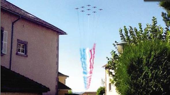 La Patrouille de France survole Aurillac Cantal10