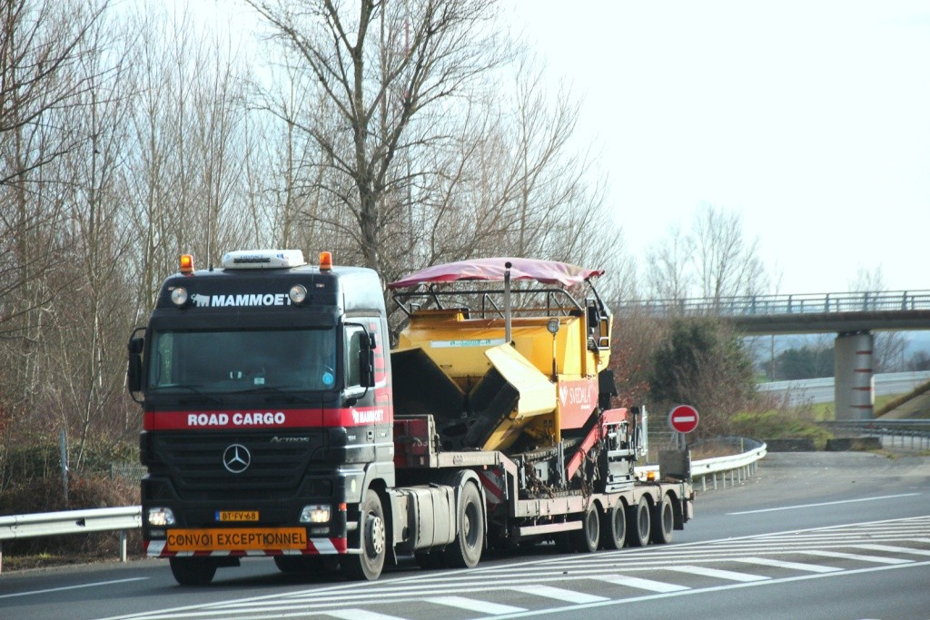 Mammoet Road Cargo - Oudenbosch - Page 3 Img_2156