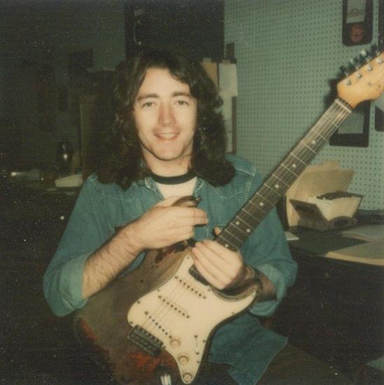 Fender Stratocaster 1961 - Page 16 Lgtde10