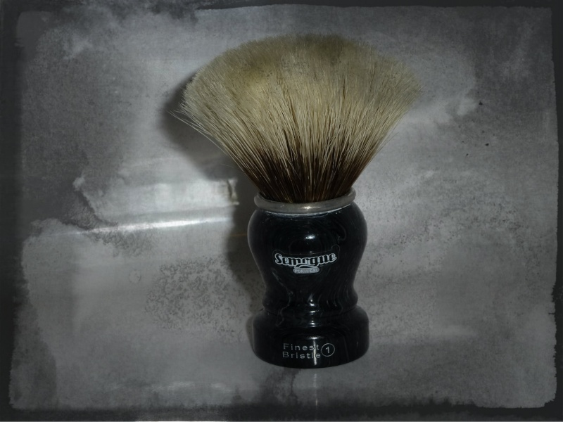 Video : Semogue 2011 limited edition shaving brushes. P1030023
