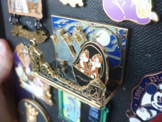 Le Pin Trading à Disneyland Paris - Page 37 P1120113