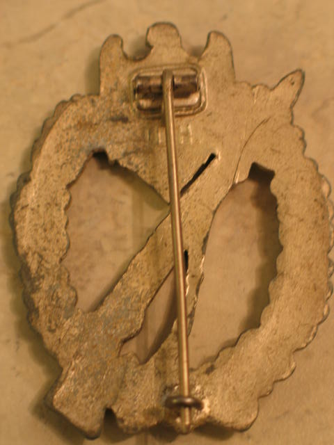 Copie insigne d'assaut d'infanterie Attach20