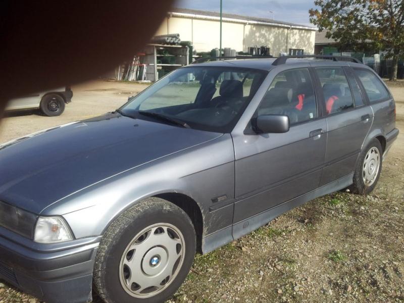 A VENDRE BMW 320 I TOURING 210