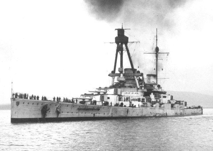 Croiseurs de bataille allemands - Page 2 Derffl10