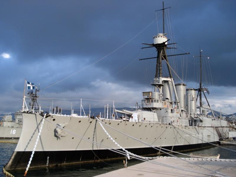 G. Averof, dernier croiseur-cuirassé à flot. Georgi11