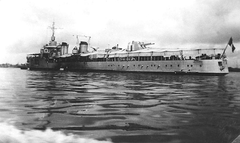 Les torpilleurs français Hardi210