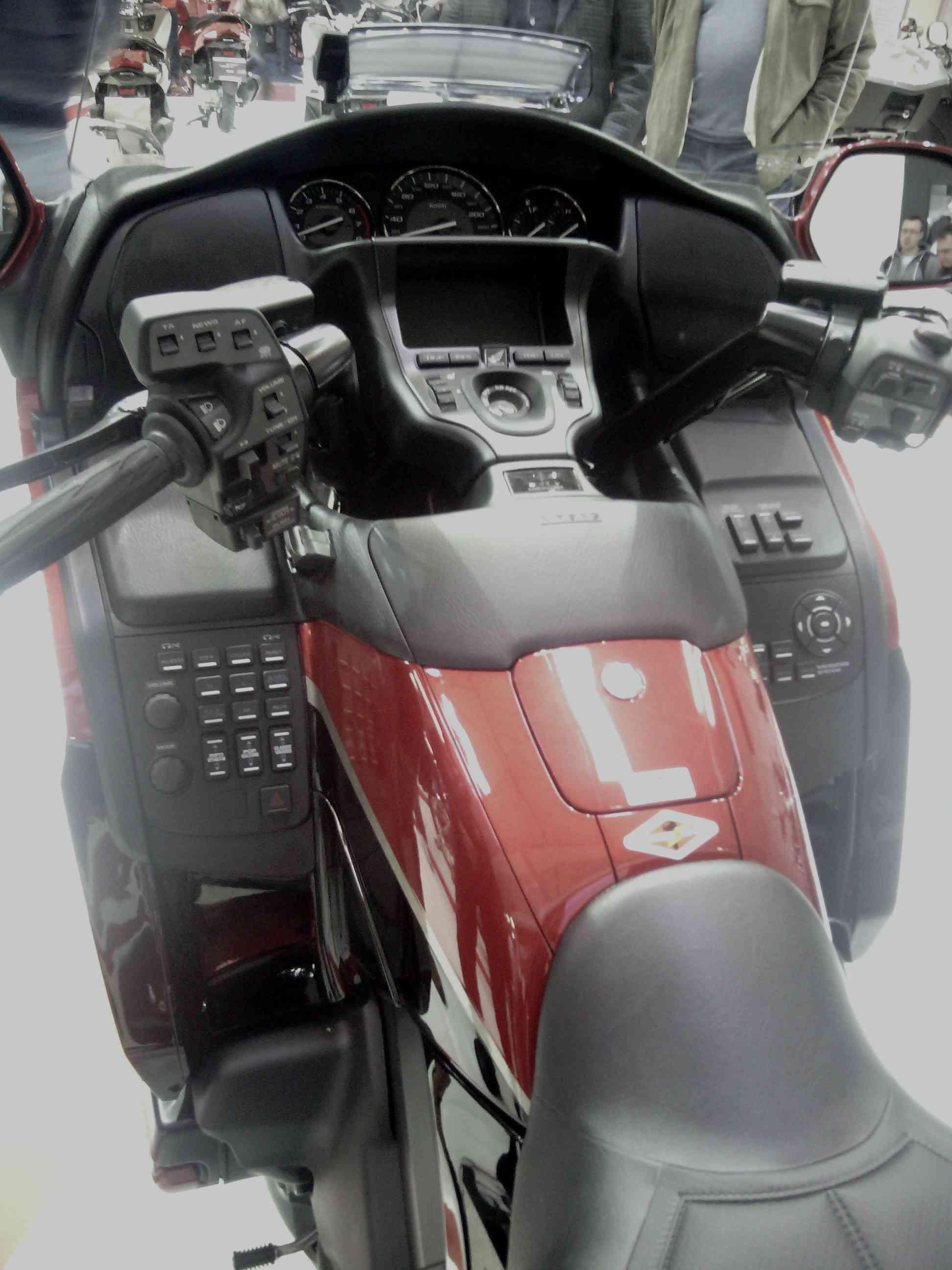 Έκθεση μοτοσυκλέτας 2015 στην Μπρατισλάβα - Σελίδα 2 Img_2031
