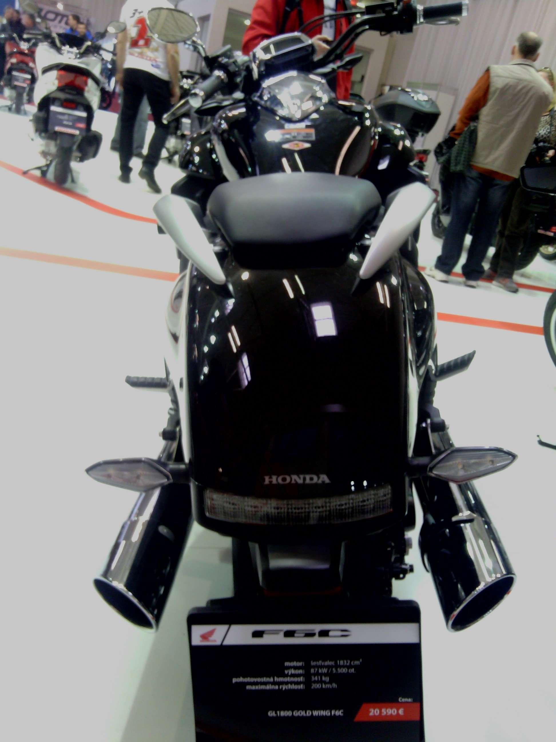 Έκθεση μοτοσυκλέτας 2015 στην Μπρατισλάβα - Σελίδα 2 Img_2040
