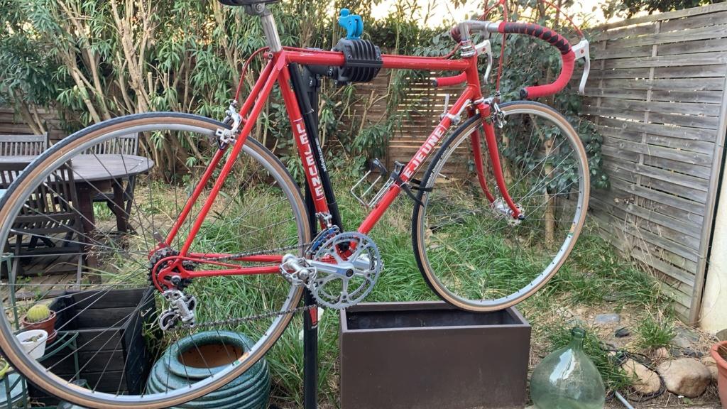 Vélo course Lejeune rouge  15a5fb10