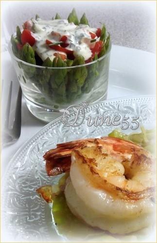 Verrine - Asperges avec un concassé de tomates à la crème de basilic 9fbiiu10