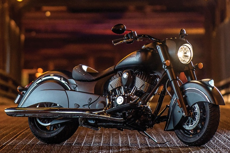 Indian présente la Chief Dark Horse Custom11