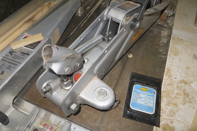 Cric hydraulique defectueux Img_3912