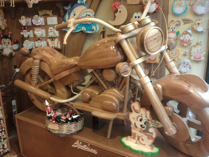 un KAWA en TERRASSE - moto en bois!! 2013-013