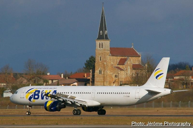 Compagnie Bosnian Wand Airlines et son unique Airbus A-321! Imgp1112