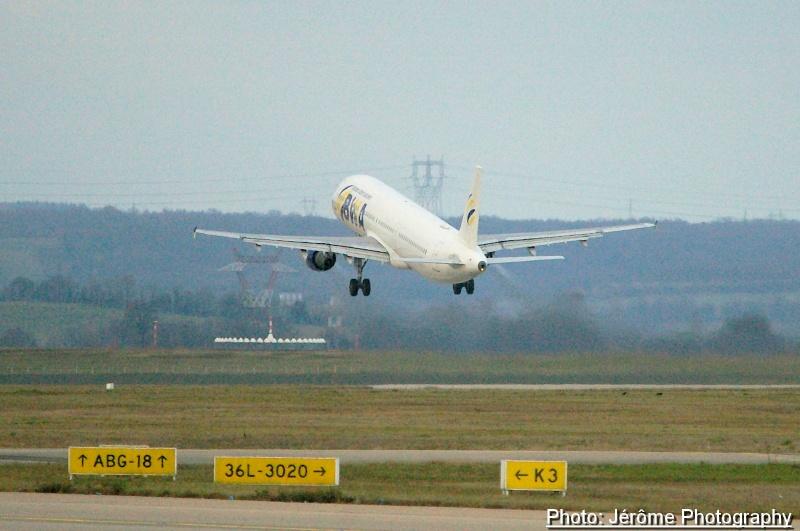 Compagnie Bosnian Wand Airlines et son unique Airbus A-321! Imgp1314