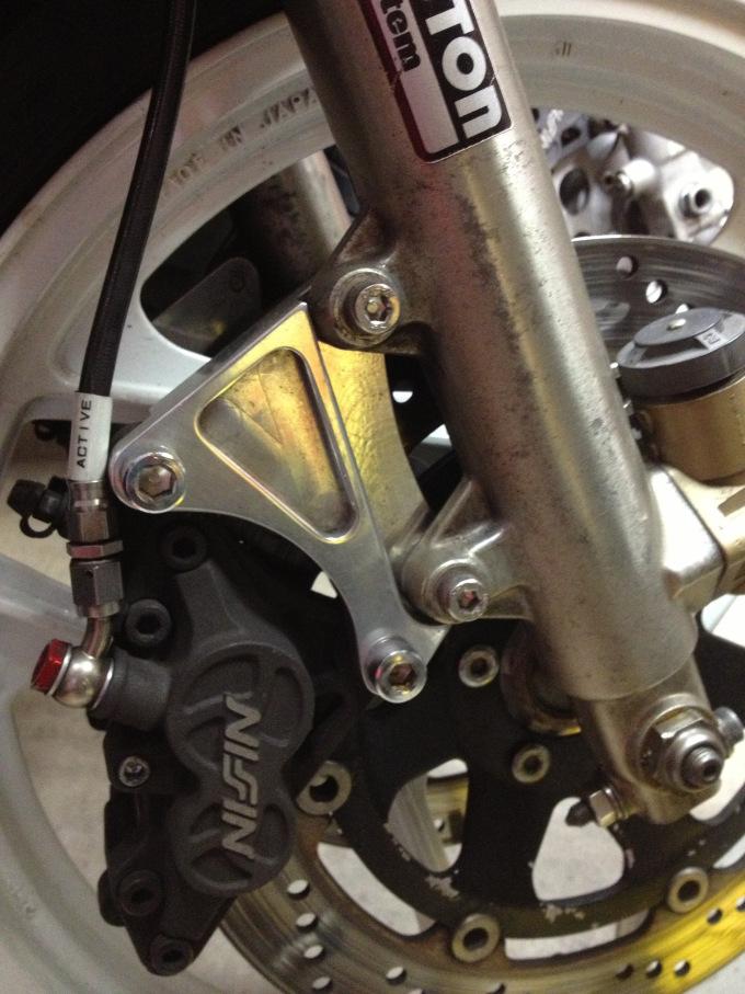 Montage etrier Nissin sur GSXR première génération.  - Page 2 20121110