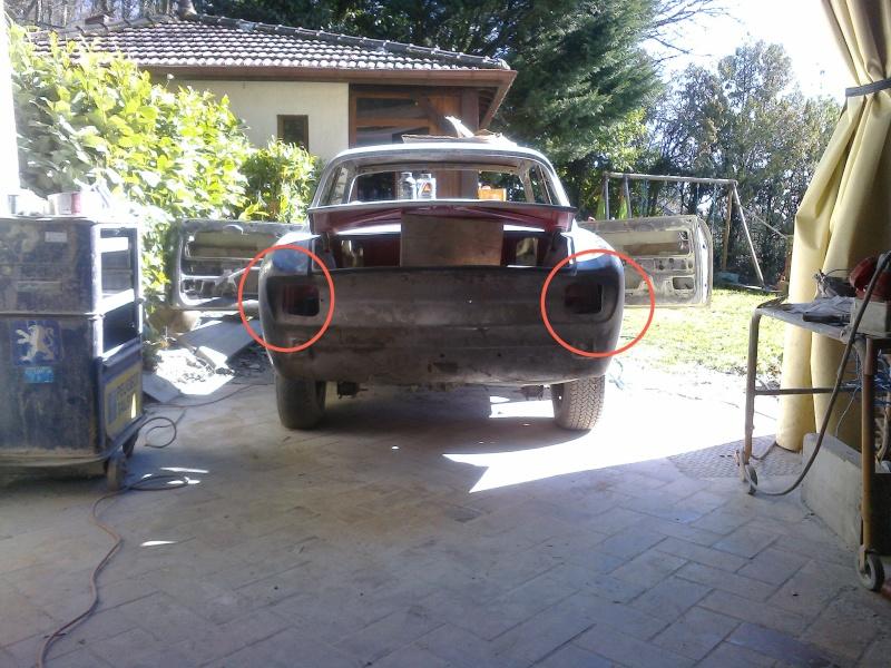 début restauration coupe bertone 1750 - Page 4 Photo046
