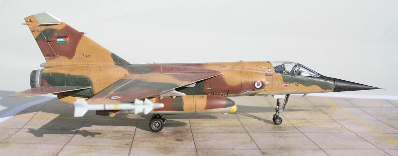 "Mirage F1EJ jordanien (Airfix + décal FFSMC ""désert Mirage F1"", 1/72) Img_6511"