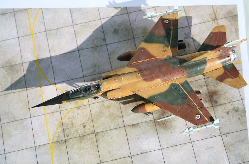 "Mirage F1EJ jordanien (Airfix + décal FFSMC ""désert Mirage F1"", 1/72) Img_6512"